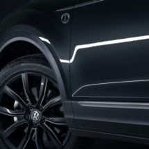 VW-T-roc-black6